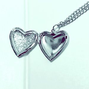 Jewelry - Silver Heart Locket Necklace / (OS) NWT!!